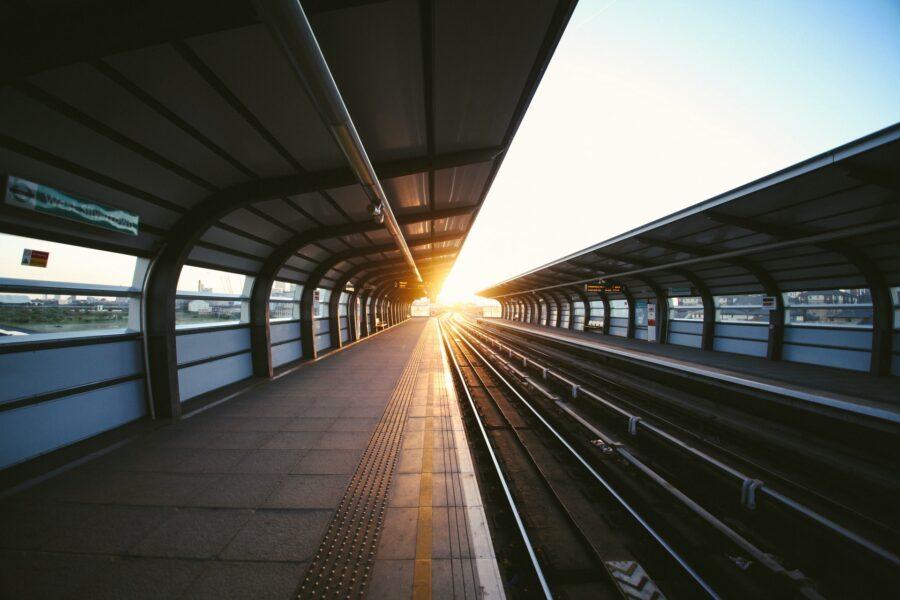 Conseil pour voyage en train avec un enfant: éviter le monde